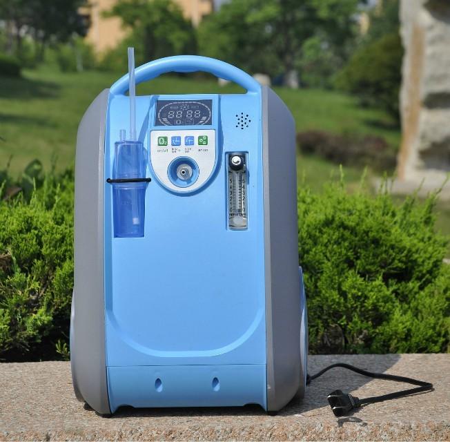 Přenosný kyslíkový koncentrátor s baterií OX ONE GBA 5L, 90%